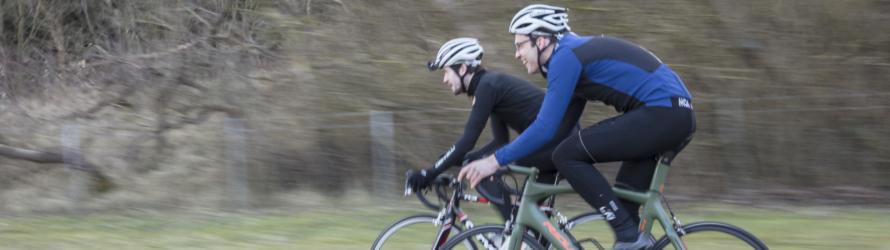 medewerkers alliander aan het fietsen